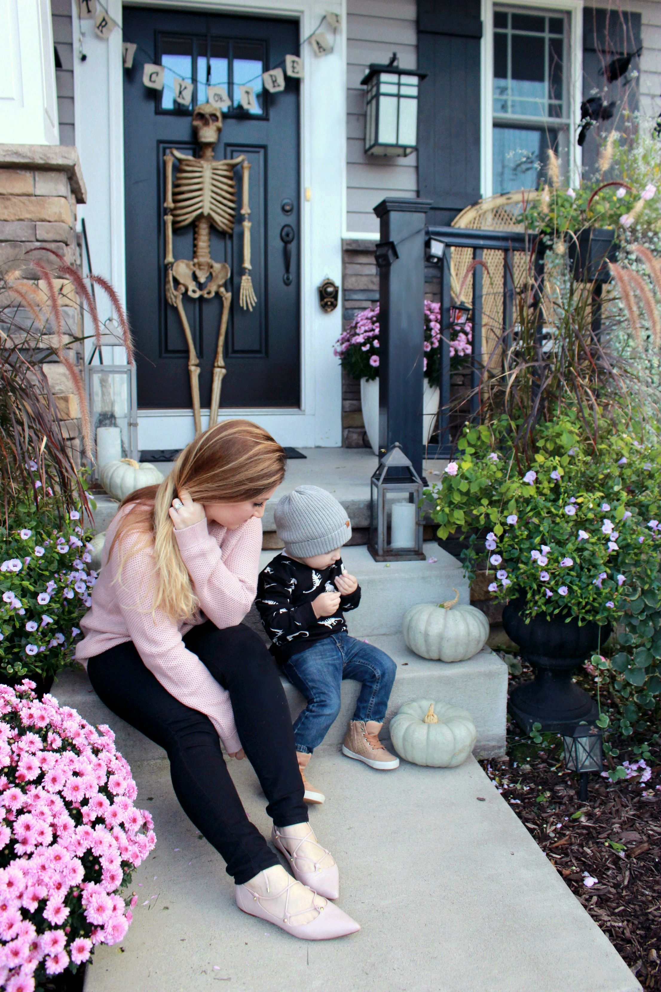 Fall Front Porch Decorating With Unexpected Colors Zoe