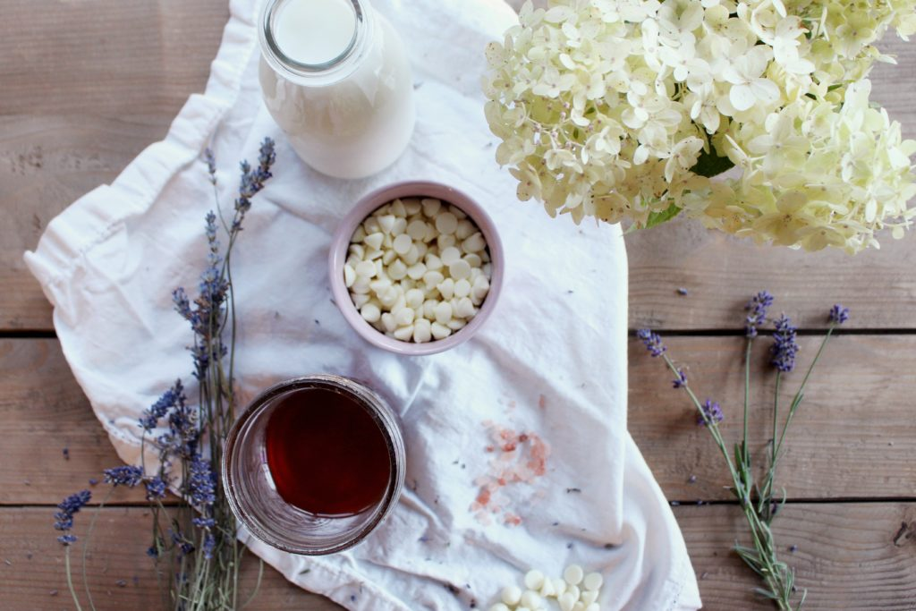 zoe-with-love-shares-how-to-make-a-lavender-and-honey-infused-white-hot-chocolate