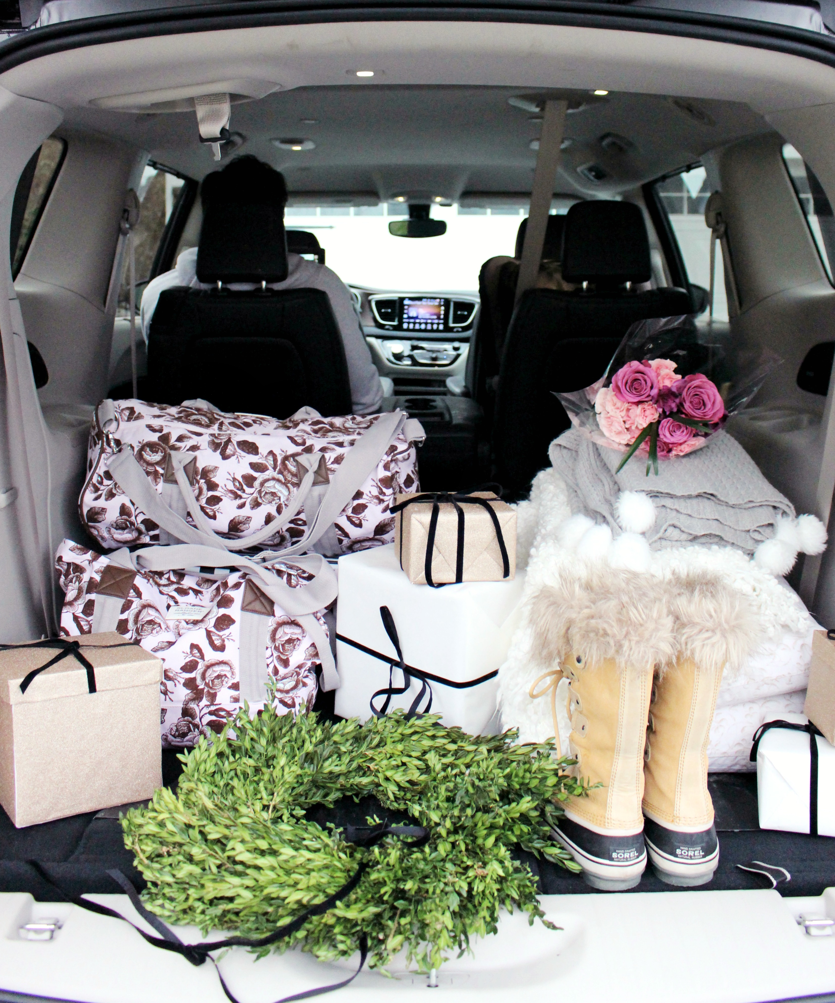 Home For The Holidays Zoe With Love's best road trip do's and don'ts for your family ft. the Chrysler Pacifica