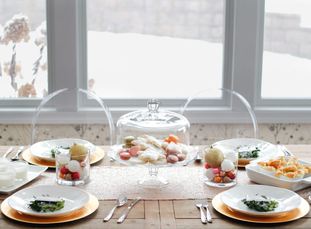 Tips For Creating An Easy Christmas Tablescape Zoe With Love
